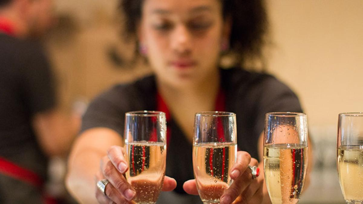 ampersand wine bar champagne