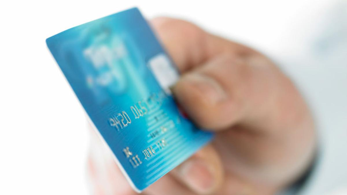 hand chip credit card emv