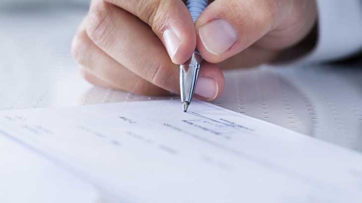writing check payroll