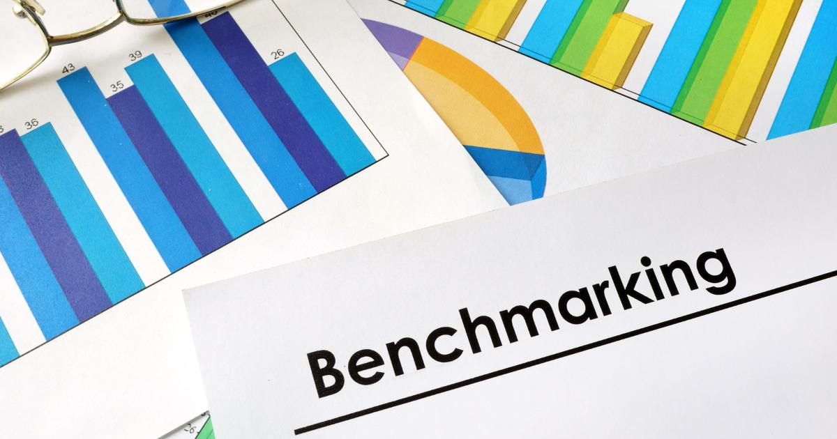 benchmarking revenue charts