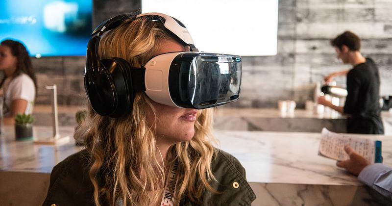 virtual reality cafe