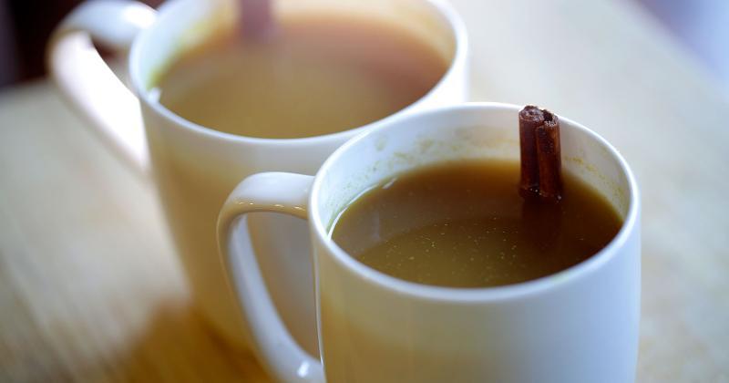 almond milk honey tea