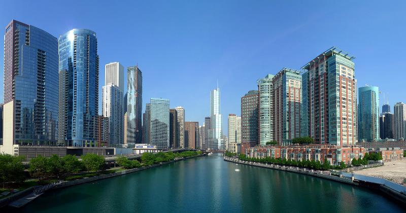 chicago skyline river
