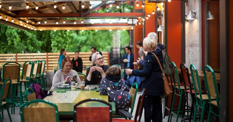 colectivo gathering customers