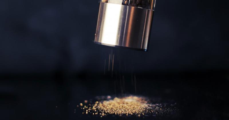grinding pepper
