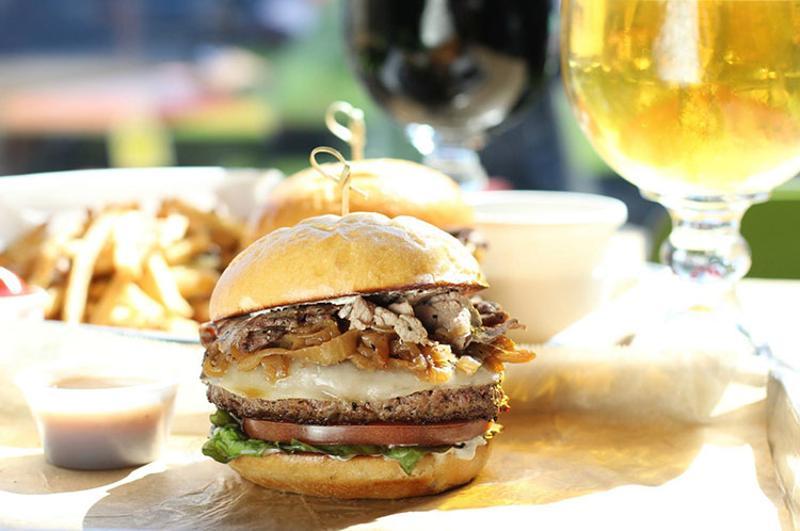 burger hopdoddy