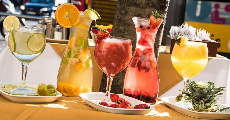 fruity drinks cocktails