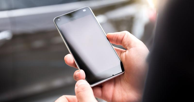 phone hand texting