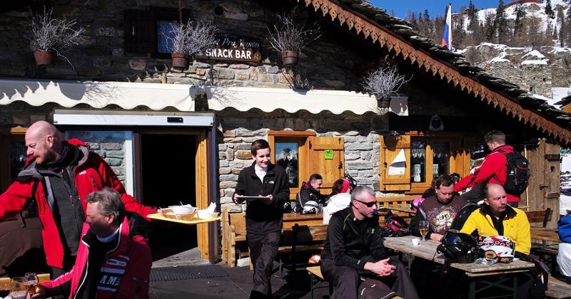 winter bar