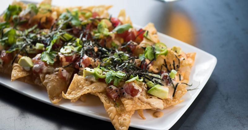 yard house poke nachos