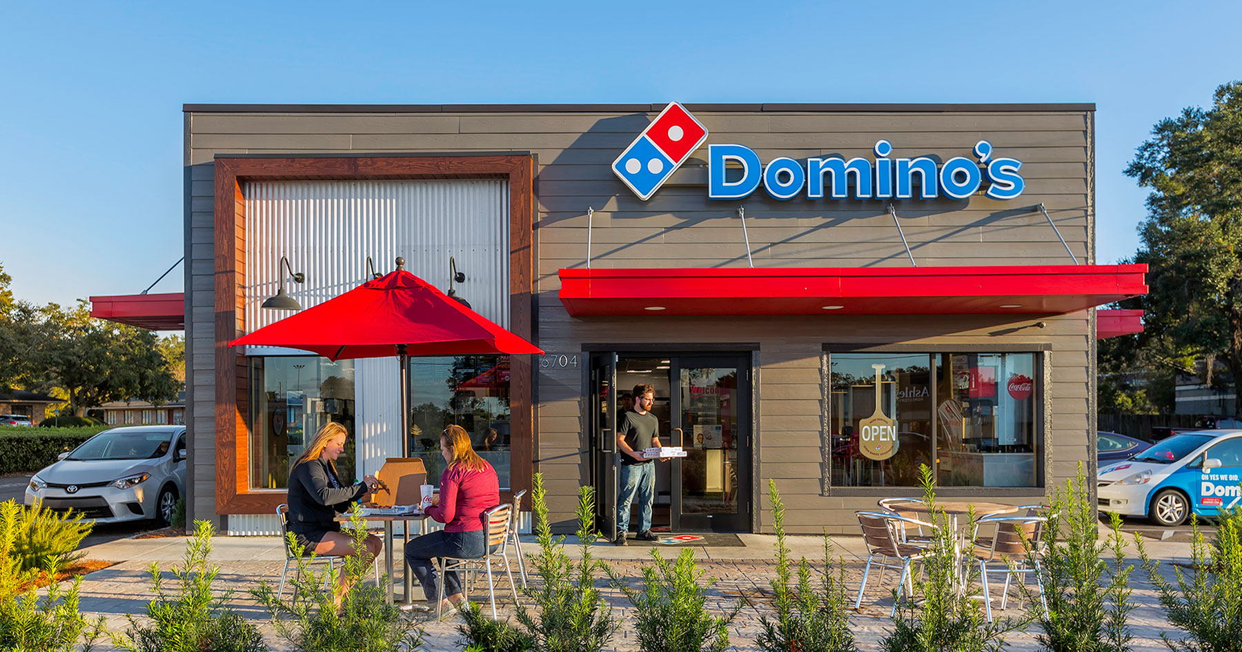 Domino's says its sales are withstanding third-party delivery