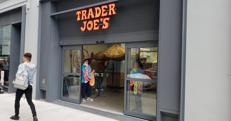 trader joes entrance
