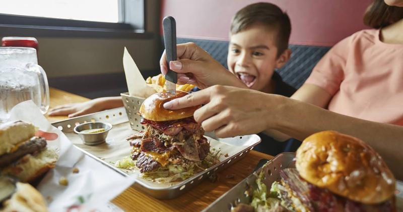 chilis boss burger child
