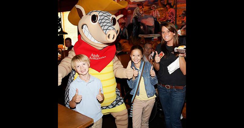 texas roadhouse kids armadillo
