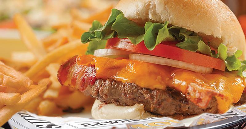 pj whelihans deluxe bacon cheeseburger