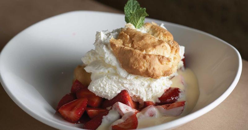 bonefish grill strawberry shortcake