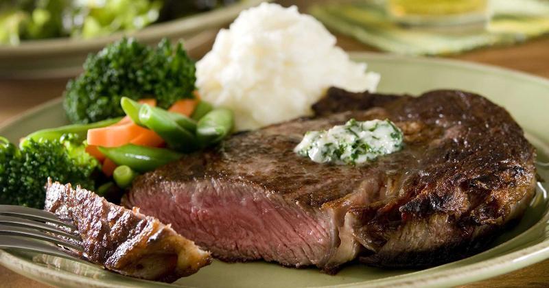 steak potatoes vegetables