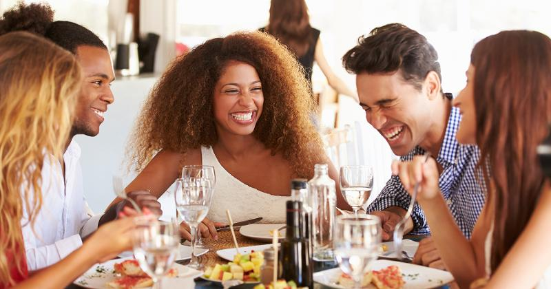 restaurant-attendees