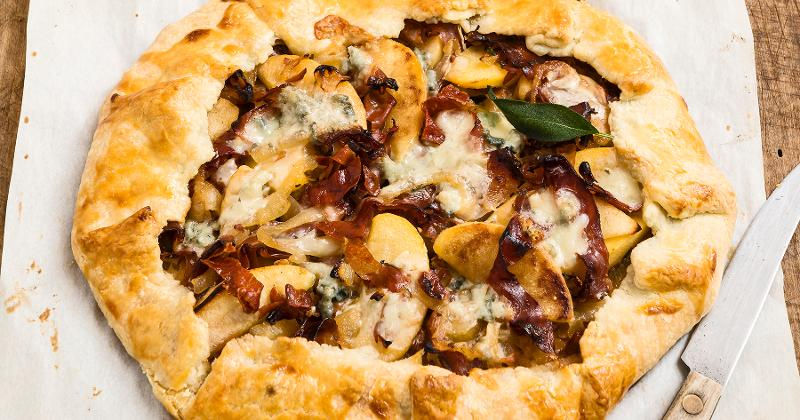 Apple, onion and prosciutto tart