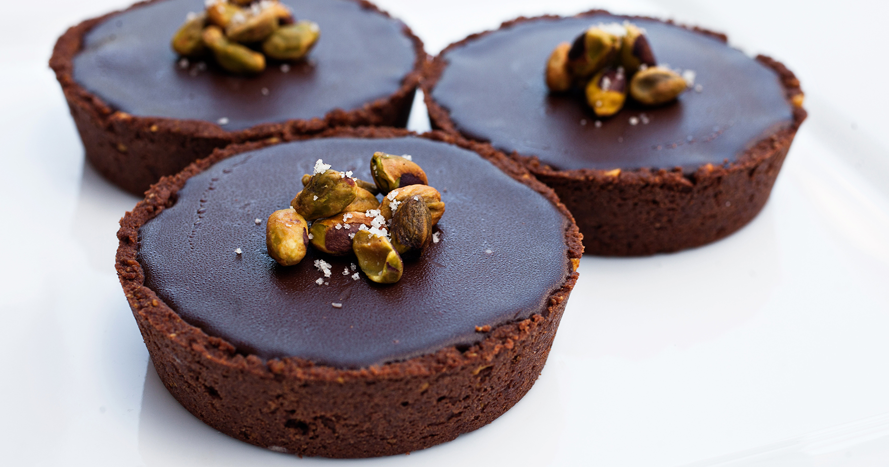 pistachio chocolate tarts