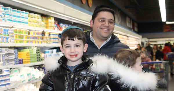 Inside Bingo Wholesale, the 'Kosher Costco'