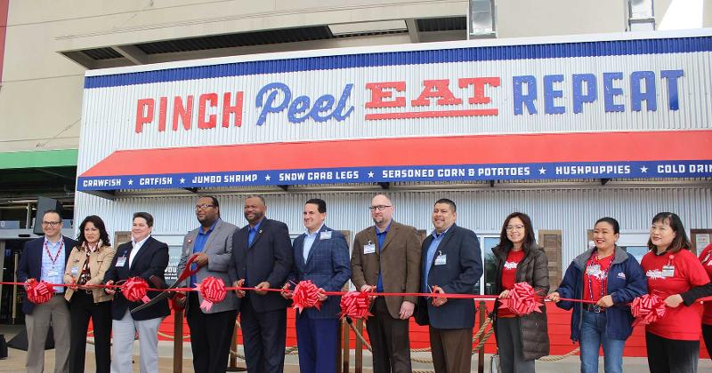 heb ribbon cutting