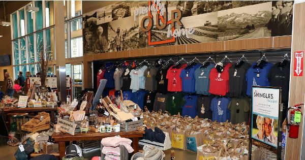 Inside Albertsons' Massive New Market Street Store