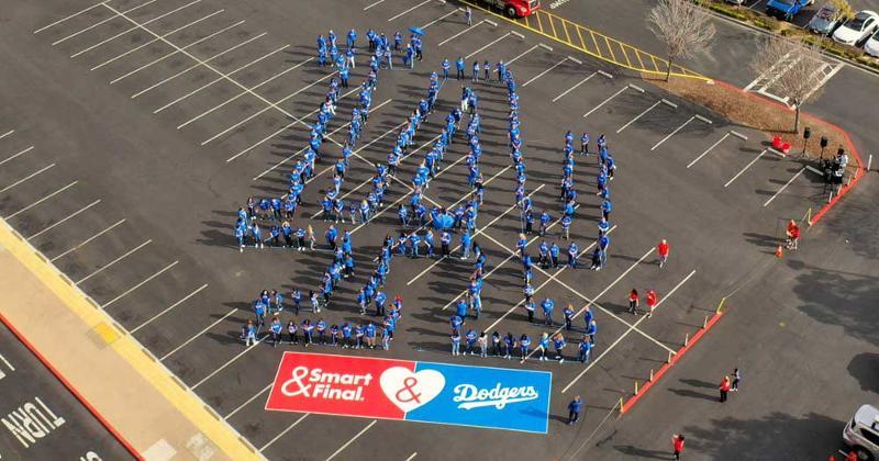 Smart & Final LA Dodgers logo