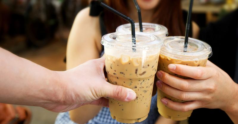 iced-coffee-friends