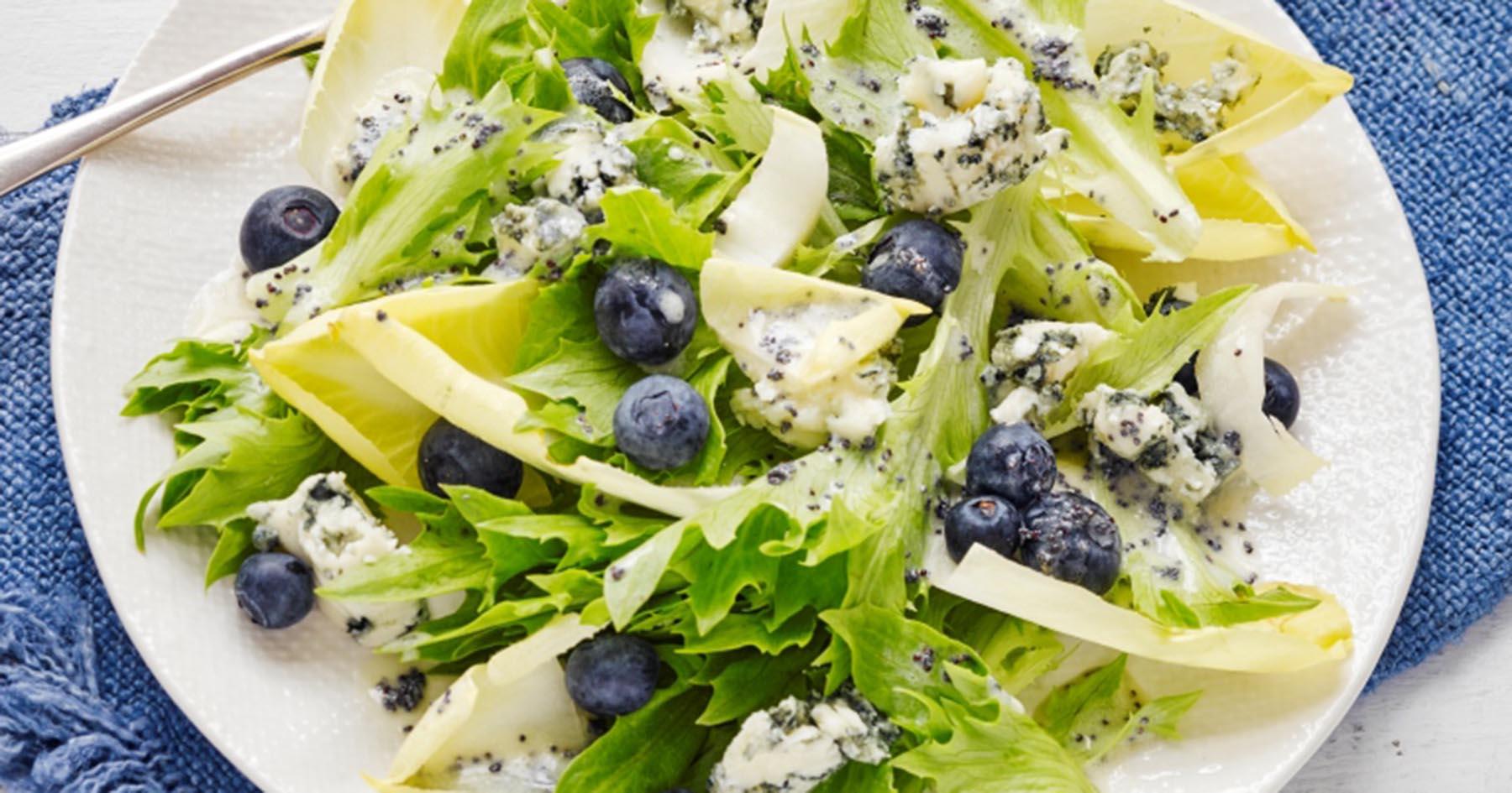 blueberry and gorgonzola salad