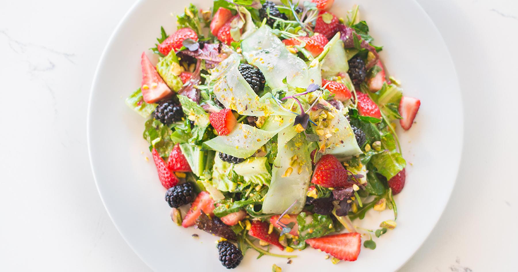 Bella berry salad