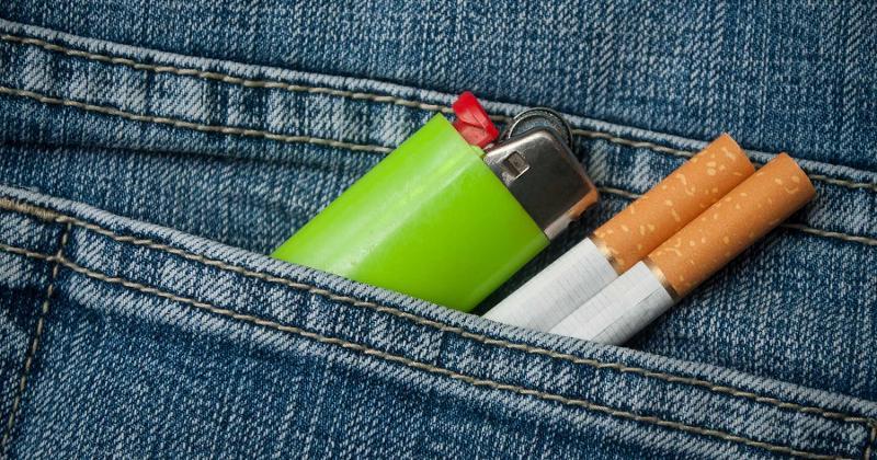 lighter cigarettes pocket