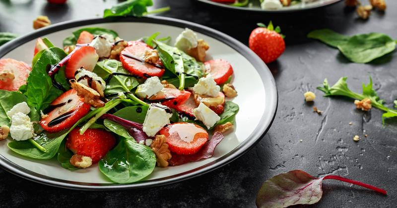 spring salad with fruit
