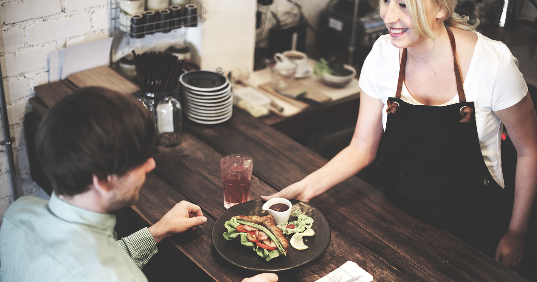 Chain restaurant staff vacancies soar to historic level, study finds