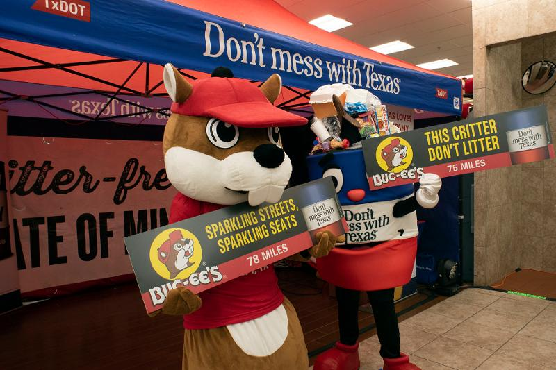 Buc-ee's litter promotion