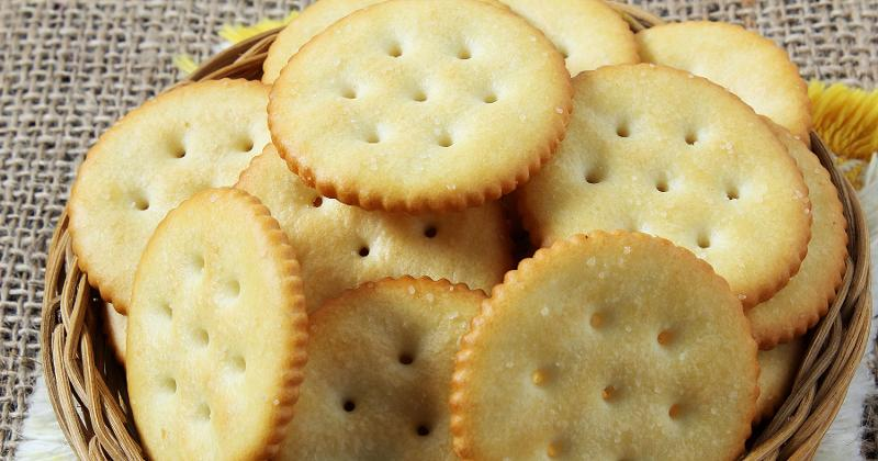 round butter crackers
