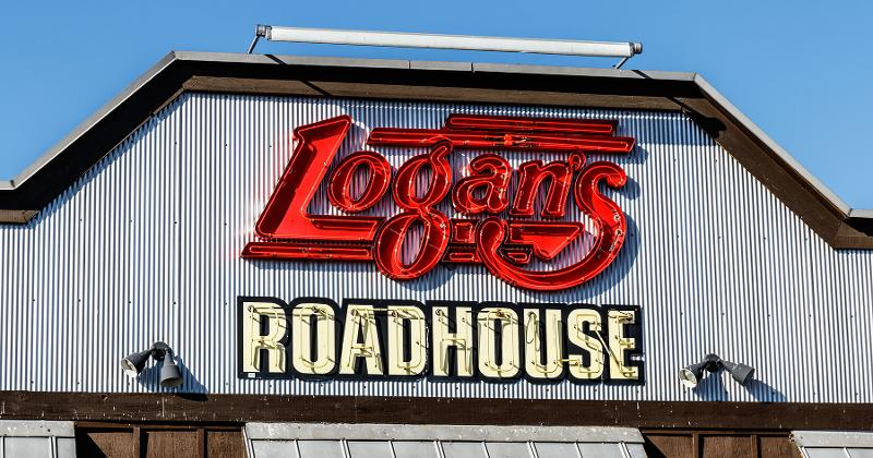 Logan's roadhouse storefront
