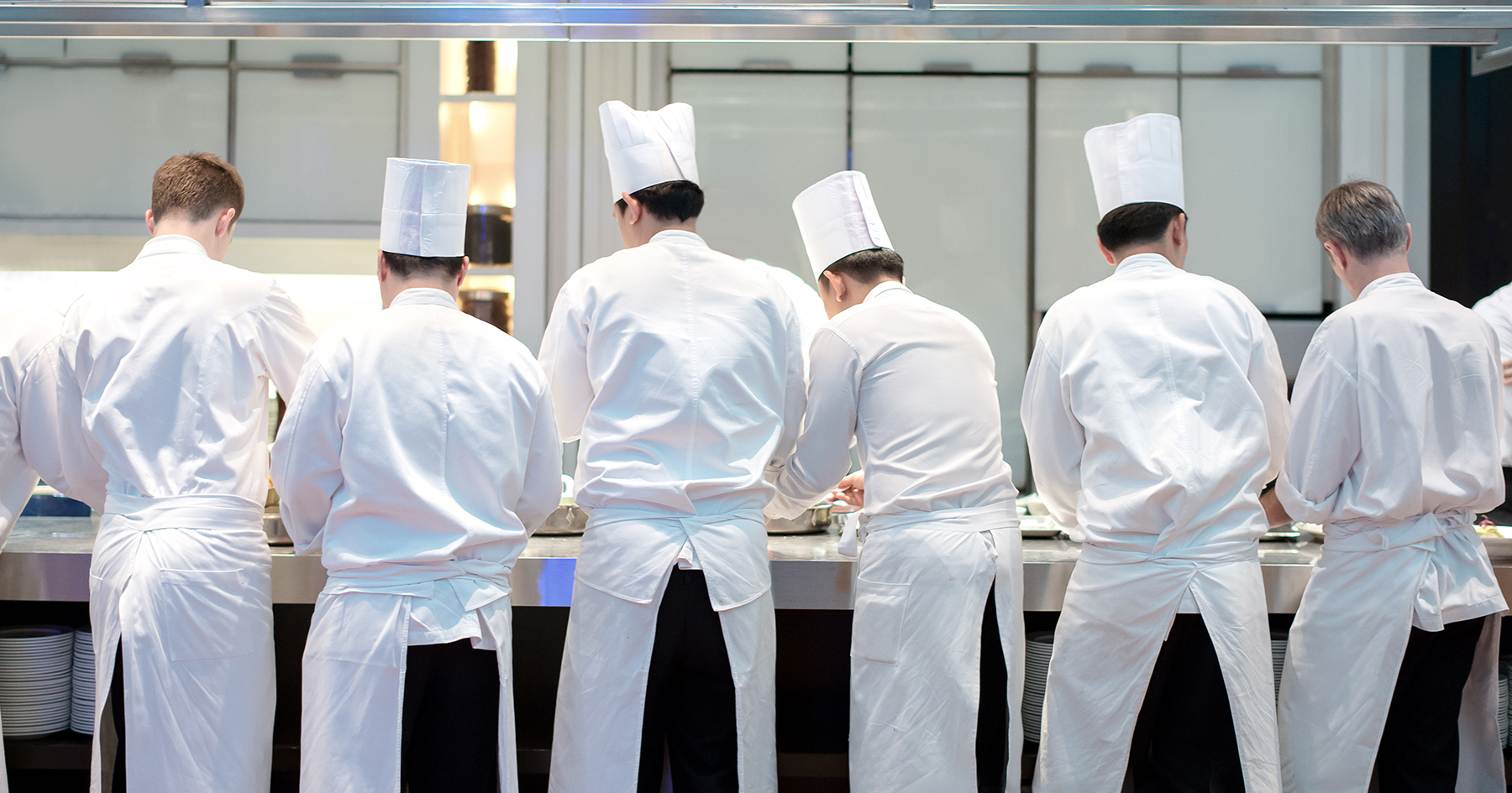 Well-known chefs band together to demand government action on business interruption coverage