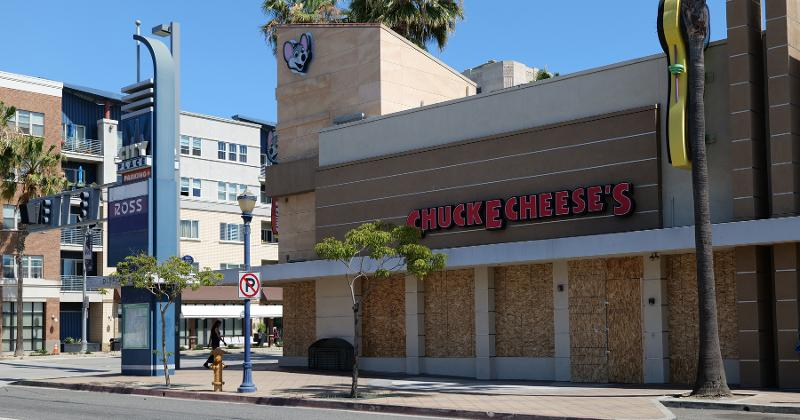 Closed Chuck E Cheese
