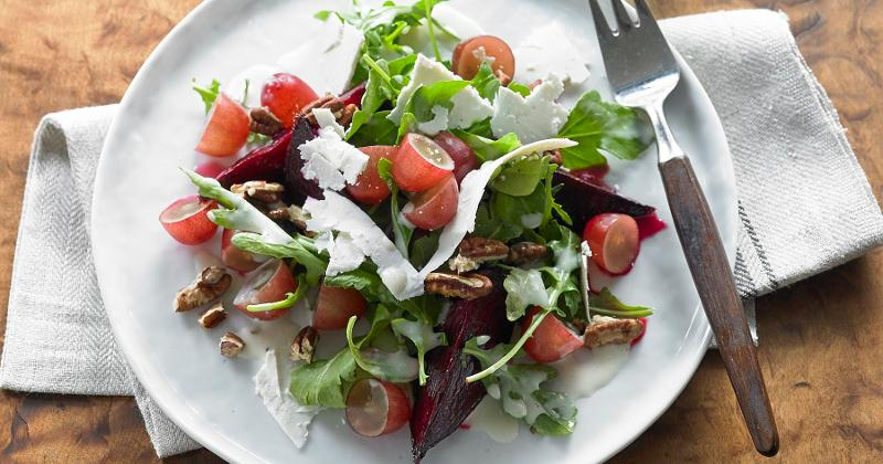 Roasted Beet and Arugula Salad with Grapes