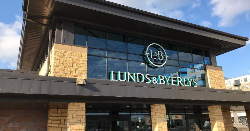 lunds byerlys storefront