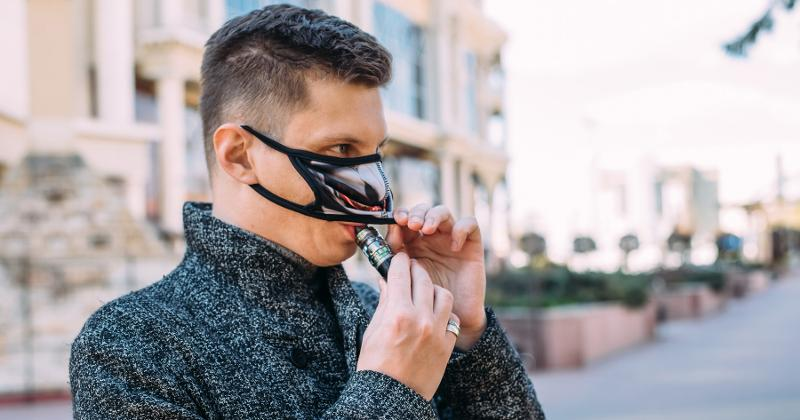 Vaping with a mask on