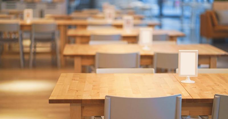 empty lunch table