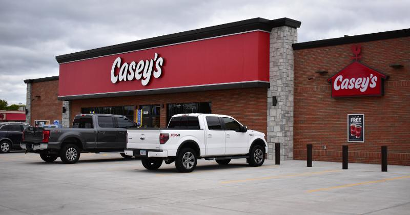 Casey;s new logo outside