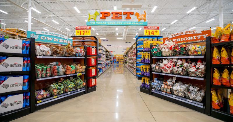 H-E-B pet aisles