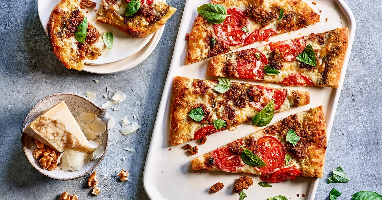 walnut sausage pizza