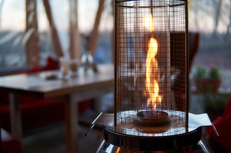 outdoor heat lamp