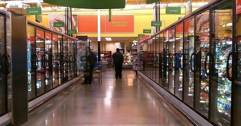grocery frozen foods aisle