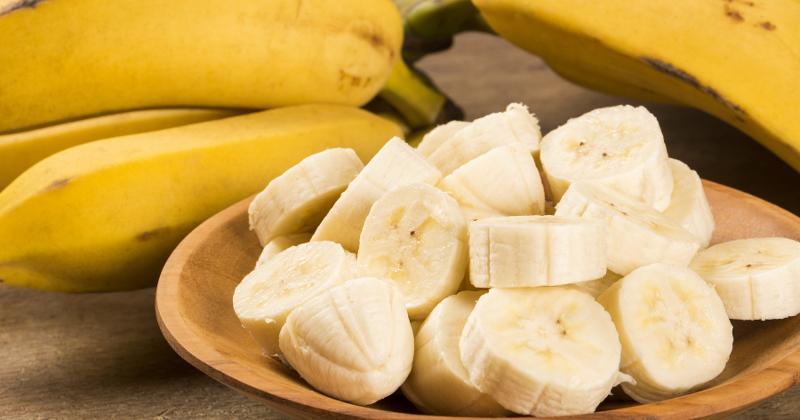 Sliced bananas in bowl