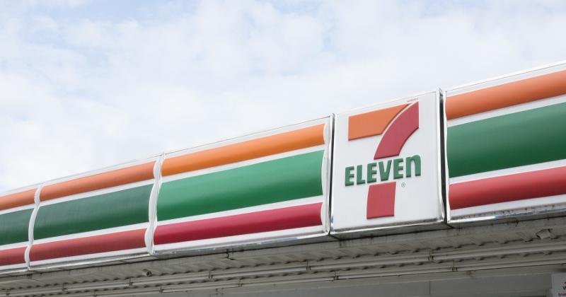 7-Eleven banner